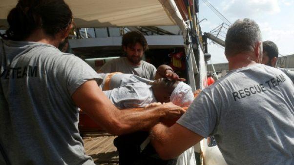 Open Arms débarque à Majorque avec une migrante miraculée et deux cadavres