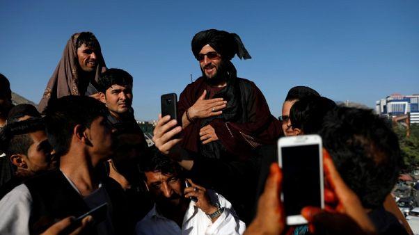 الحكومة الأفغانية تبحث عرض وقف لإطلاق النار مع طالبان في عيد الأضحى