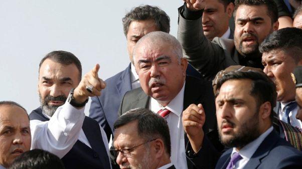 نجاة عبد الرشيد دستم من انفجار في مطار كابول لدى عودته لأفغانستان