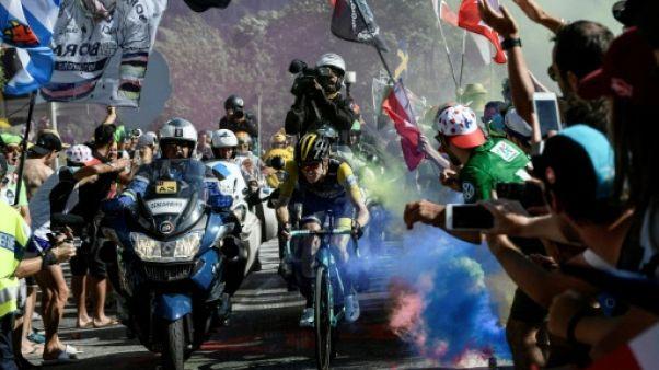 Tour de France: les fumigènes interdits sur la course
