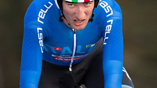 استبعاد موسكون متسابق فريق سكاي من سباق فرنسا للدراجات بعد ضربه لمتسابق آخر