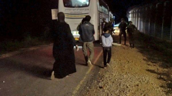 """La Syrie qualifie de """"criminelle"""" l'évacuation de Casques blancs par Israël"""