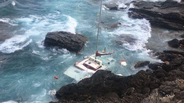 Catamarano affondato in sud Sardegna