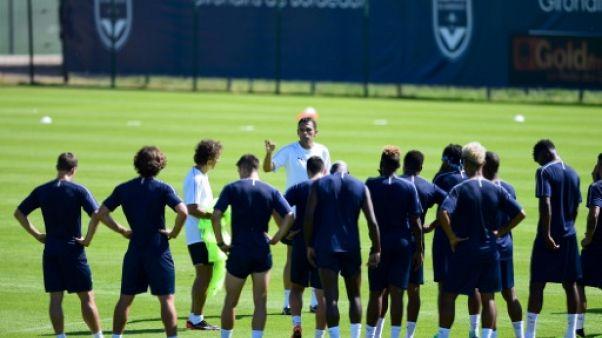 Gustavo Poyet devant ses joueurs aux Girondins de Bordeaux, le 29 juin 2018