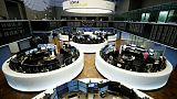 الأسهم الأوروبية تغلق منخفضة في ثالث جلسة على التوالي من الخسائر