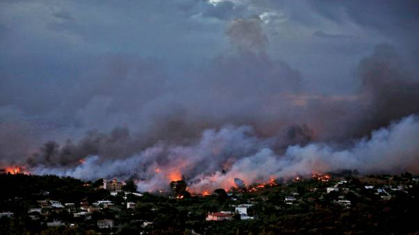 الصليب الأحمر: العثور على 26 ضحية أخرى من حريق مدمر في اليونان