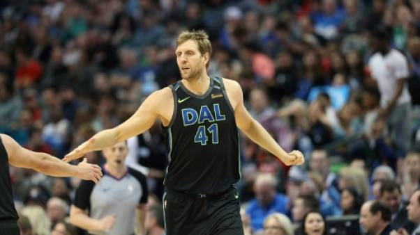 NBA: Nowitzki re-signe avec Dallas pour une 21e saison record