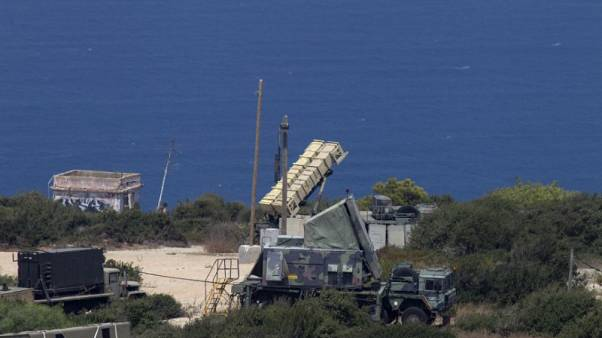 """إسرائيل تقول إنها """"اعترضت"""" طائرة حربية سورية اخترقت مجالا جويا تحت سيطرتها"""