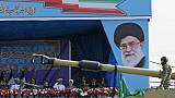 """Iran: l'armée avertit qu'elle répondra avec """"force"""" aux menaces américaines"""