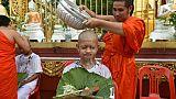 En Thaïlande, tête rasée et monastère pour les enfants rescapés de la grotte