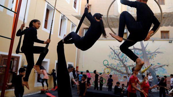 مدرسة مصرية للفنون تعين الأطفال الفقراء على التطلع إلى مستقبل أفضل