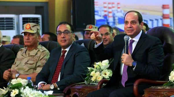 الرئيس المصري يفتتح محطات لتوليد الكهرباء في إطار خطة الدولة للتنمية