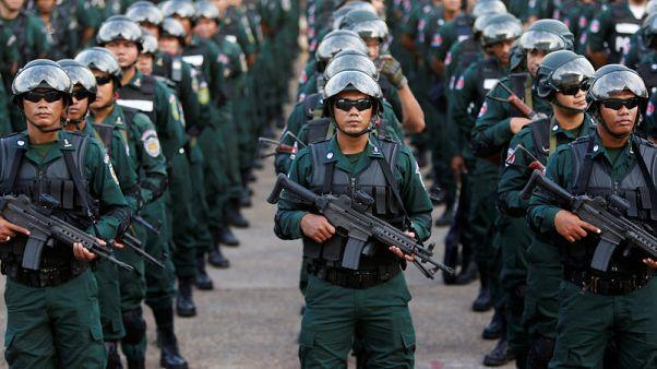 كمبوديا تنشر قوات مسلحة في استعراض للقوة قبل الانتخابات