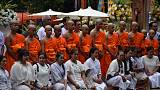 ترسيم فتية كهف تايلاند رهبانا بوذيين