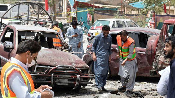 انتحاري يقتل 29 في باكستان مع التصويت في انتخابات عامة حامية