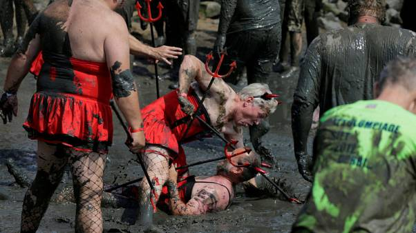 Medals in the mud - Hundreds wade in at Germany's 'Wattoluempiade'