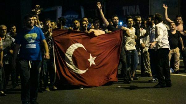 """Turquie: le Parlement adopte une loi """"antiterroriste"""" remplaçant l'état d'urgence"""