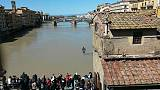 Saranno ripulite statue ponte S. Trinita