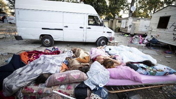Problemi sanitari, sgombero campo nomadi