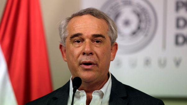مسؤول: مقتل وزير الزراعة و3 أشخاص آخرين في تحطم طائرة في باراجواي