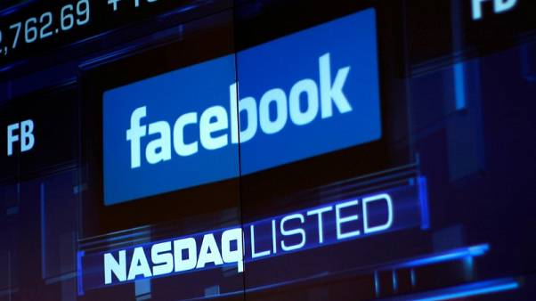 ستاندرد آند بورز وناسداك يتراجعان مع هبوط فيسبوك وداو يرتفع