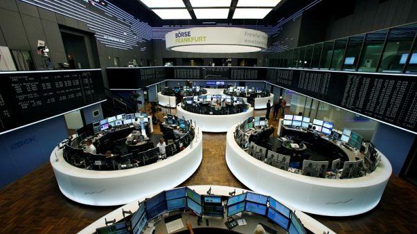 الأرباح الجيدة تساعد الأسهم الأوروبية على البقاء مرتفعة