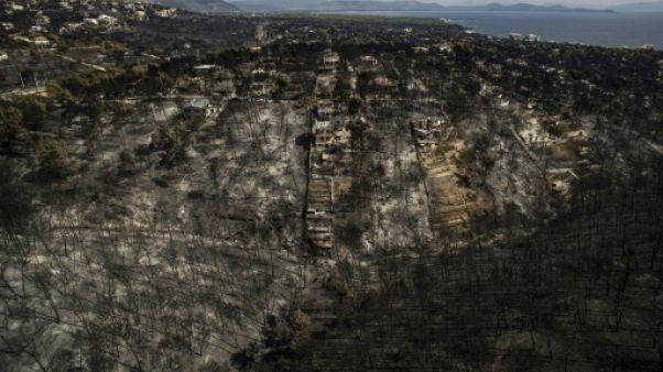 """Incendie de Mati : Tsipras assume """"la responsabilité politique"""", rien sur l'opérationnel"""
