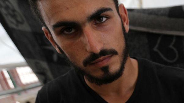 """تحقيق- هروب بعض """"الخوذ البيضاء"""" من سوريا.. والغالبية تُركوا لمصيرهم"""