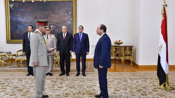 السيسي يرقي وزير الدفاع لرتبة فريق أول