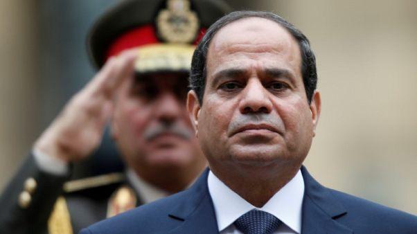 السيسي يعبر عن غضبه بعد أن طالبه مصريون بترك الحكم