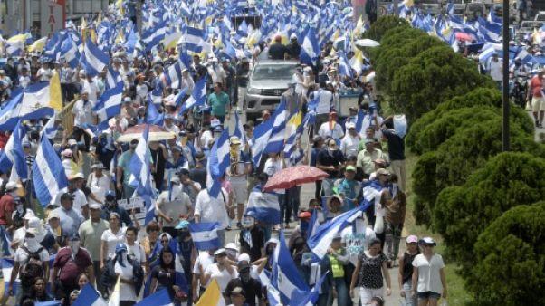 Crise politique : des milliers de Nicaraguayens défilent en soutien aux évêques
