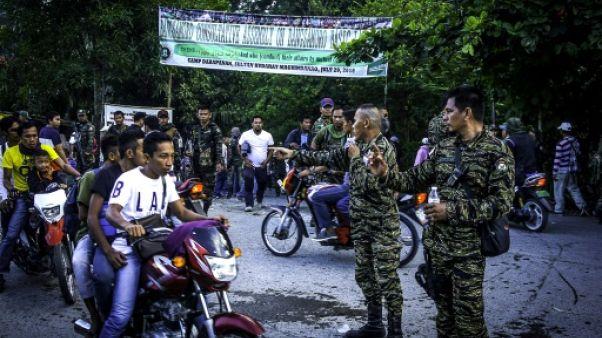 Paix dans le sud des Philippines: les rebelles musulmans consultent leur base