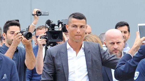 Juve: Ronaldo atterrato a Torino