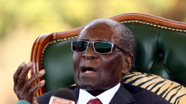 موجابي يدعم المعارضة قبل يوم من انتخابات الرئاسة في زيمبابوي