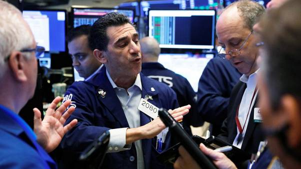 Tech stocks pull down equity markets, euro gains