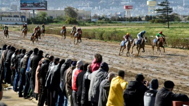 Une course à l'hippodrome du Caroubier, à Alger le 24 mars 2018