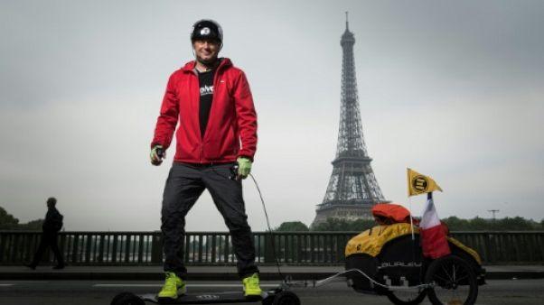 Fabrice Gropaiz boucle la première étape de son tour du monde en skate électrique