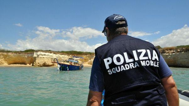 Migranti, in 40 rintracciati dopo sbarco