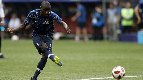 Calcio: Chelsea, Sarri 'blinda' Kanté