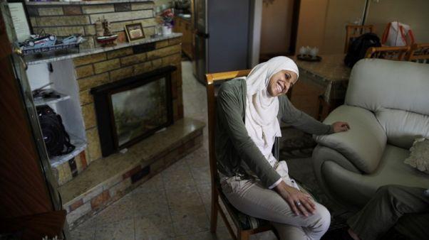 محكمة إسرائيلية تأمر بسجن شاعرة عربية بتهمة التحريض على الإرهاب