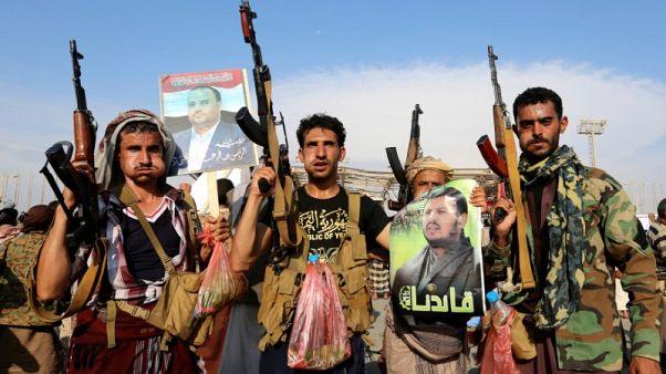 الحوثيون يوقفون الهجمات في البحر الأحمر لأسبوعين