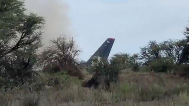 """الركاب """"ممتنون للرب"""" بعد نجاتهم من حادث سقوط الطائرة المكسيكية"""