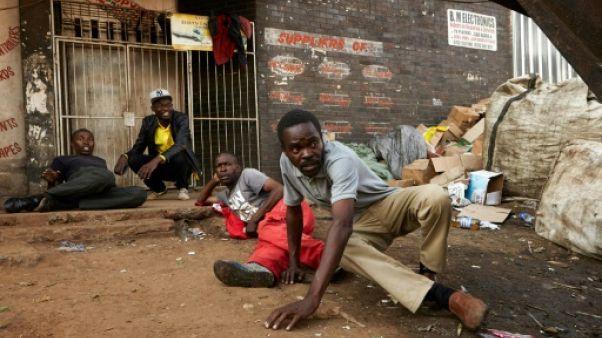 Le Zimbabwe attend toujours les résultats de la présidentielle, crainte de nouvelles violences