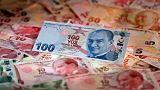 العملة التركية قرب 5 ليرات للدولار بعد إعلان عقوبات أمريكية