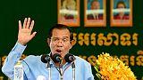 """Cambodge: Hun Sen célèbre sa victoire """"claire comme le cristal"""" devant des milliers d'ouvriers"""