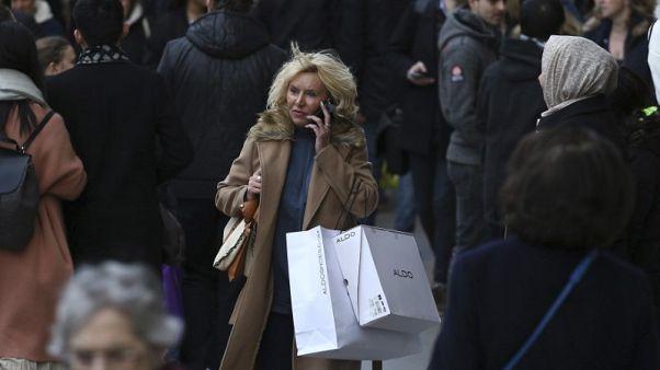 تراجع مكالمات الهواتف المحمولة في بريطانيا لأول مرة
