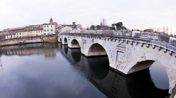 Due maestre denunciate a Rimini