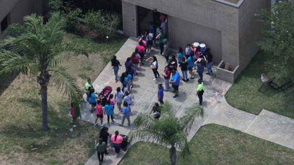 إدارة الهجرة الأمريكية تنفي إضراب مهاجرين عن الطعام في تكساس