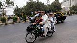 متشددون ينفذون هجمات على 12 مدرسة في شمال باكستان
