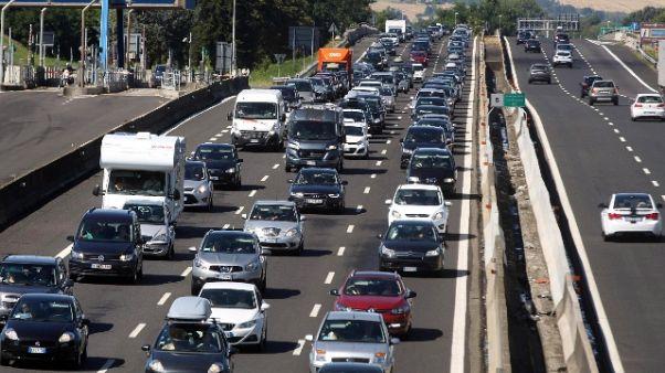 Esodo da bollino 'nero' per il traffico